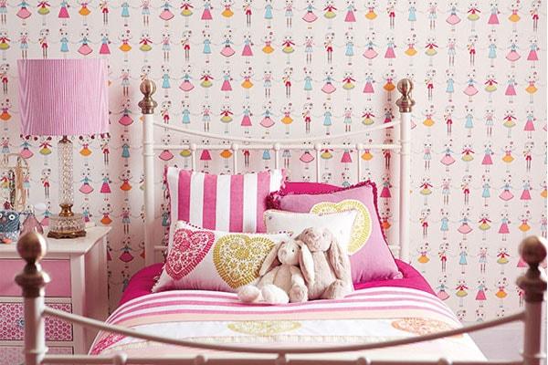 ورق جدران غرف نوم بنات بأشكال وألوان جميلة و جذابة   ديكورموز