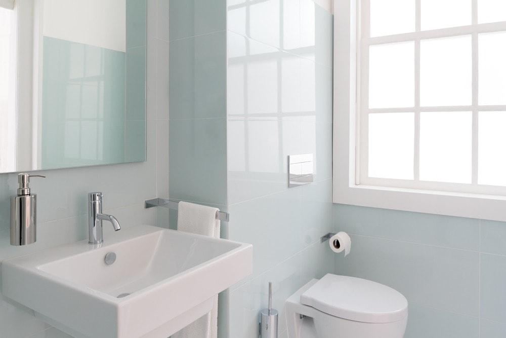 ديكورات للحمامات الصغيرة