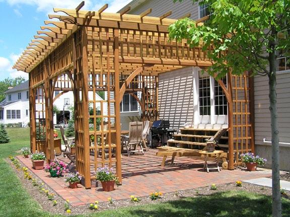 تصاميم مظلات حدائق خشبية (1)