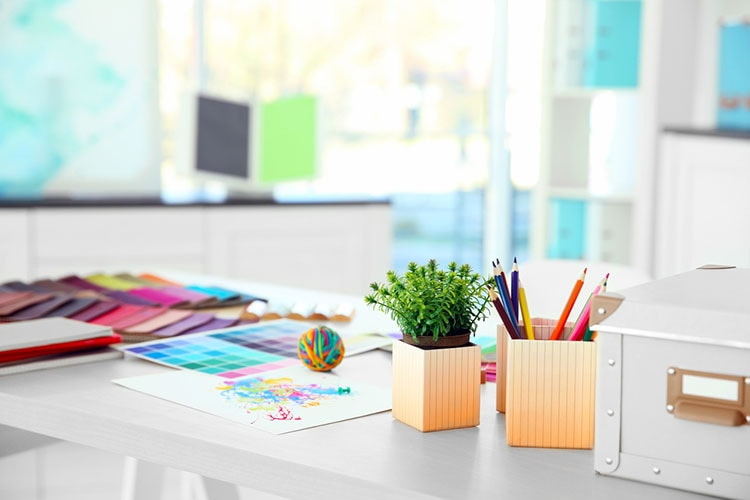 افكار لتزيين طاولة المكتب في العمل (3)