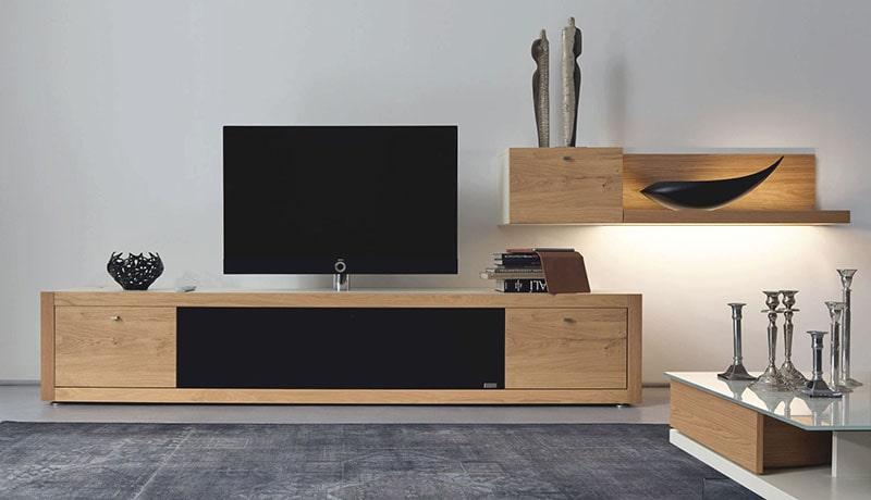 طاولة تلفزيون حديثة ذات رفوف
